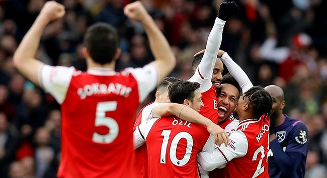 Londra derbisi Arsenalin