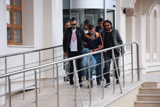 Konyada girdikleri 14 evden hırsızlık yaptıkları ileri sürülen 2 şüpheli yakalandı