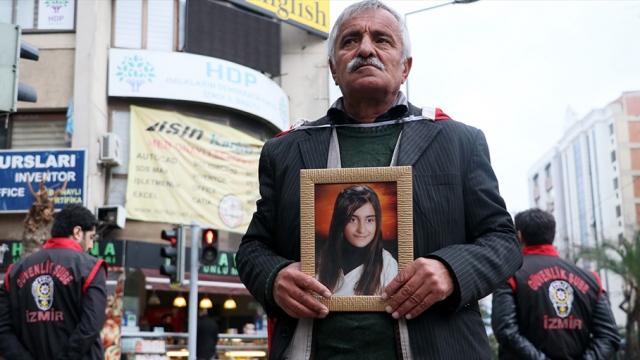 Kızına kavuşabilmek için İzmir'de evlat nöbetinde