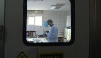 Koronavirüs testi yapılan laboratuvarı TRT Haber görüntüledi