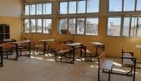 Hafter okullara da saldırıyor