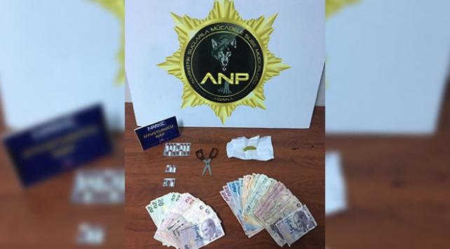 Adanada uyuşturucu operasyonunda yakalanan 7 zanlıdan 4ü tutuklandı