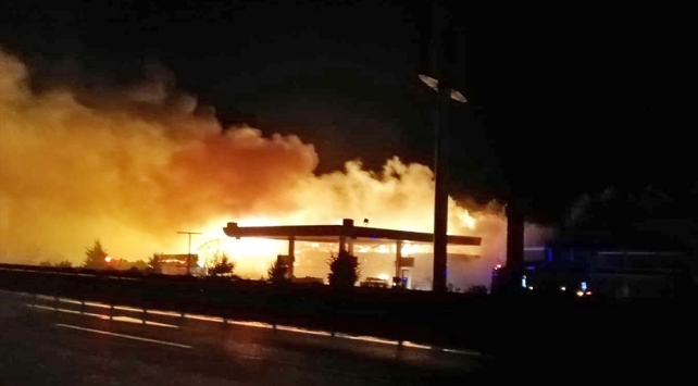 Bilecikte benzin istasyonunda yangın