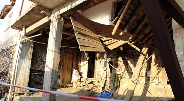Aydında düğünevinin ahşap salonu çöktü: 15 yaralı