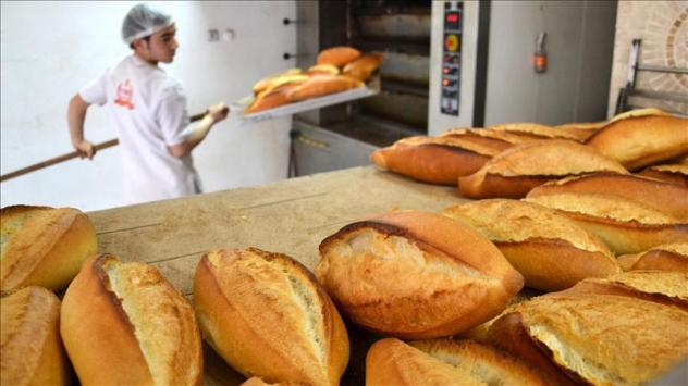 Ekmek satışı yapan esnafa eldiven zorunluluğu