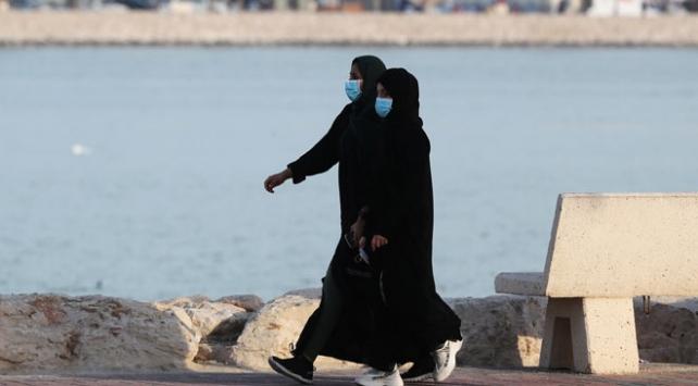 Suudi Arabistanda koronavirüs önlemleri: Kamu çalışanları işe gitmeyecek