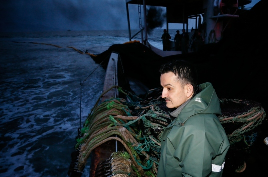 Tarım ve Orman Bakanı Pakdemirli, Ege Denizinde balık avına çıktı