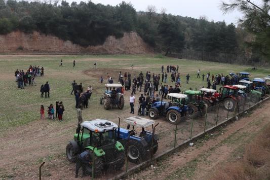 """Osmaniyede """"traktör çekme"""" yarışmasında renkli görüntüler"""