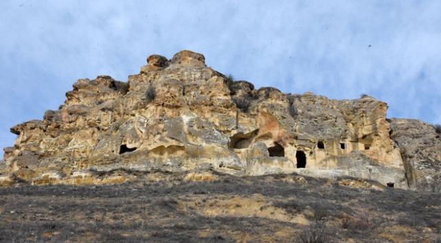 Kayadan oyma manastır turizme kazandırılacak