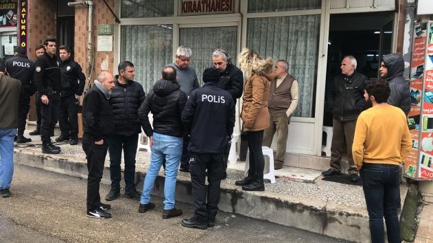 Bursada kahvehanede çıkan kavgada bir kişi silahla yaralandı