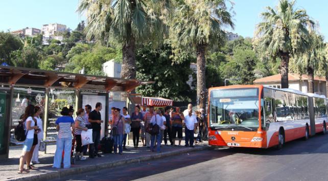 İzmirde toplu taşıma kullanımında büyük düşüş