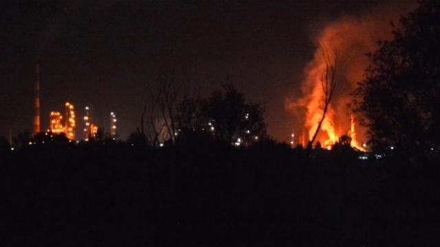 Malezya'da petrol rafinerisinde patlama