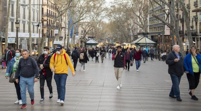 İspanyada vaka sayısı 9 bini geçti