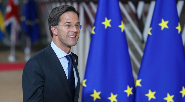 Hollanda Başbakanı: Hollandalıların büyük bir kısmı koronavirüse yakalanacak