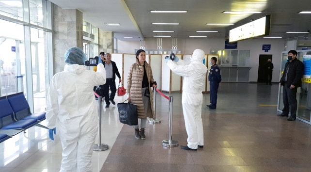 Kırgızistan, yabancıların ülkeye girişini yasakladı