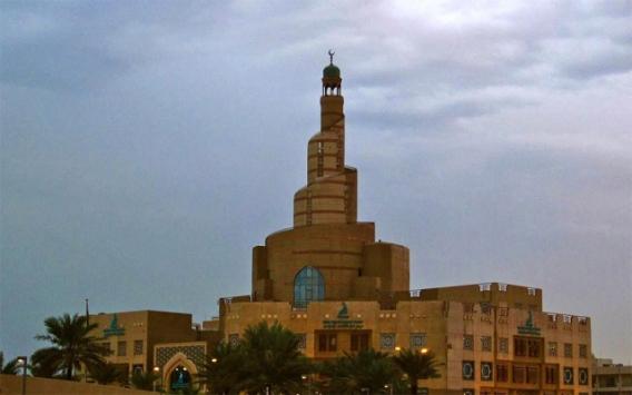 Katarda koronavirüs nedeniyle camiler kapatılıyor