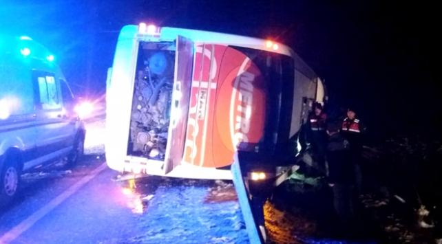 Kırşehirde yolcu otobüsü devrildi