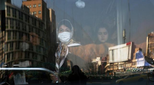 İranda son 24 saatte 135 kişi koronavirüsten hayatını kaybetti