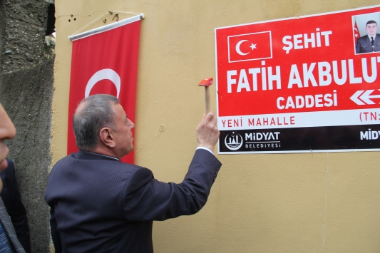Mardinde şehit Uzman Onbaşı Fatih Akbulutun ismi caddeye verildi