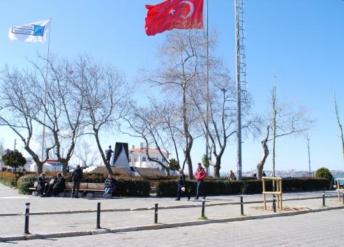 İstanbulda Kovid-19 tedbirleri kapsamında birçok işletme açılmadı