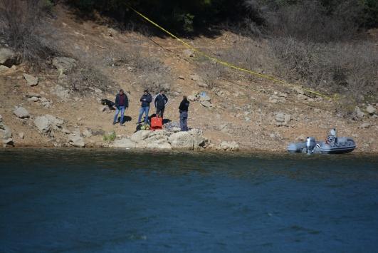 Manisada baraj göleti kıyısında bir insana ait bacak parçası bulundu