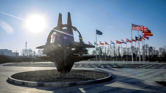 Çavuşoğlundan NATO üyeliğine kabul edilen Kuzey Makedonyaya tebrik