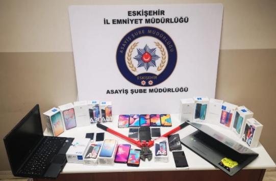 Eskişehirde cep telefonu ve bilgisayar hırsızlığı şüphelisi yakalandı