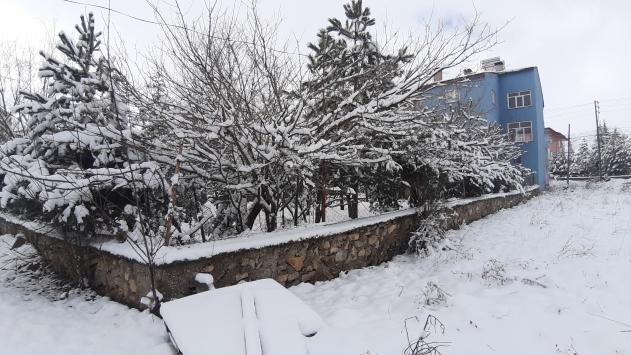Adananın yüksek kesimlerinde kar yağışı etkili oldu
