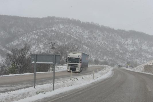 Tokatta kar yağışı etkili oluyor
