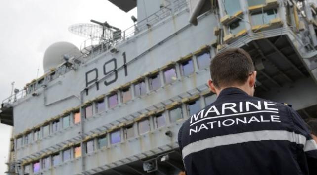 Fransa ordusu koronavirüs hastalarını tahliye ediyor