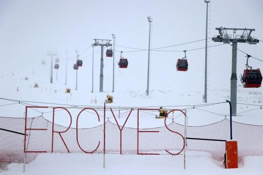Erciyeste kar kalınlığı 105 santimetre ölçüldü