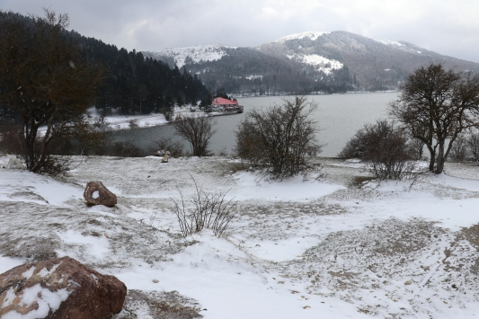 Abantta kar yağışı