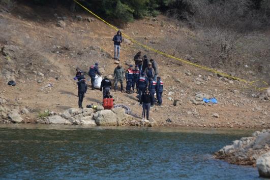 Manisada arama yapılan baraj göletinde, bir vücut parçası daha bulundu
