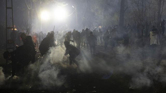 Yunanistan'dan sığınmacılara gazla müdahale