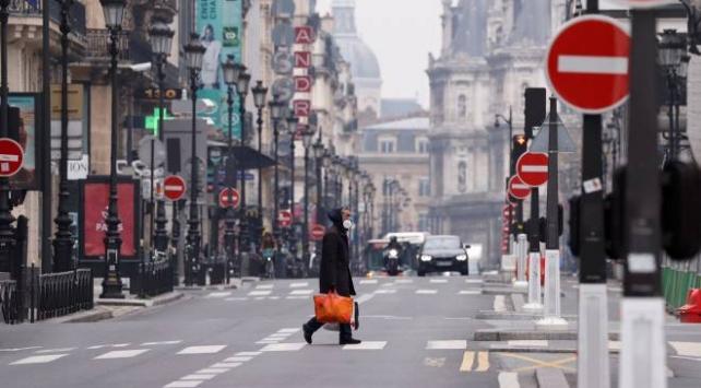 Fransada 15 günlük karantina süresi uzatılabilir