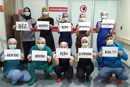 Bursada görevli sağlıkçılardan vatandaşlara mesaj