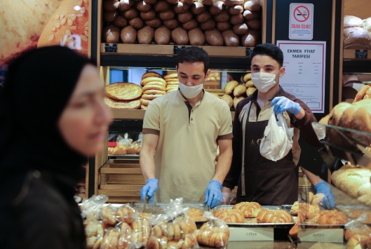 İstanbulda fırın ve pastanelerde koronavirüs tedbirleri alınıyor