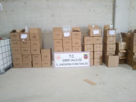 İzmirde 6 bin 851 litre sahte dezenfektan ele geçirildi