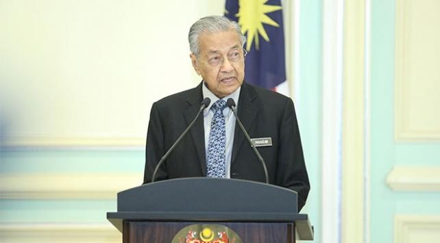 Eski Malezya Başbakanı Mahathir, kendini karantinaya aldı