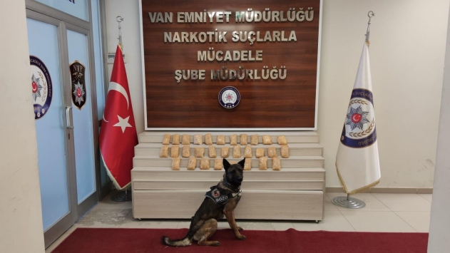 Narkotik köpeği 7 kilo 780 gram metamfetamin buldu