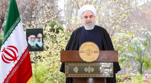 İranlı liderlerin Nevruz mesajlarında koronavirüs vurgusu