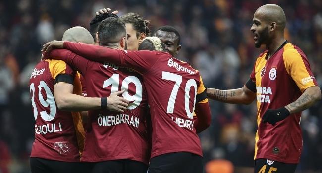 Galatasaray az atıyor, az yiyor