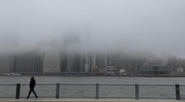 New Yorkta zorunlu olmayan tüm iş yerleri kapanacak