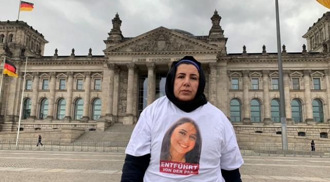 PKK tarafından kızı kaçırılan anne Berlinde eylemini sürdürüyor