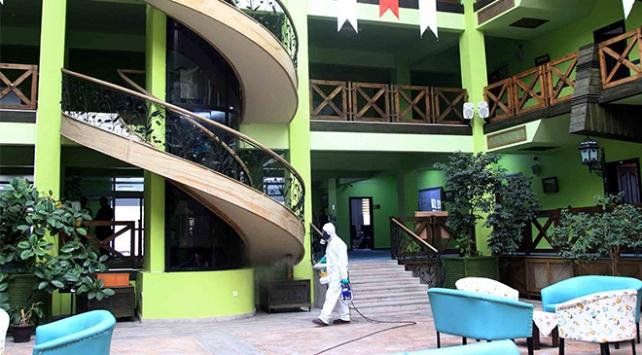Sağlık Bakanlığından otel, restoran ve huzurevi tedbirleri
