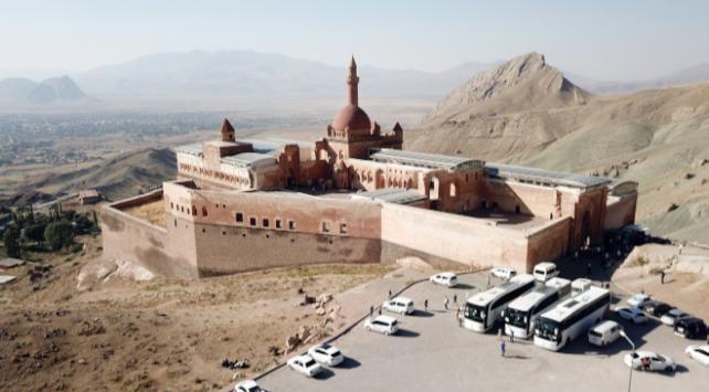 İshak Paşa Sarayı ziyarete kapatıldı