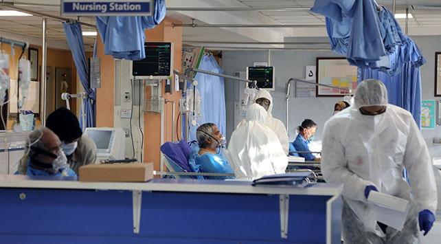 İranda hastaneler yetersiz kalınca fuar alanları ve spor salonları hastaneye dönüştürülüyor
