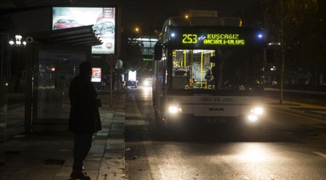 3 şehirde 65 yaş üstüne ücretsiz ulaşım durduruldu