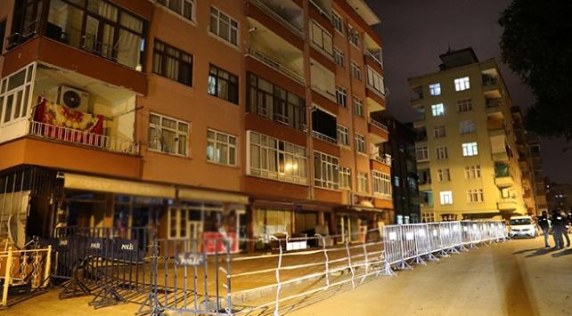 Rizede çatlak oluşan 11 katlı bina boşaltıldı