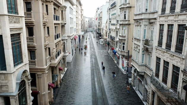 İstiklal Caddesinde dezenfekte çalışmaları yapıldı